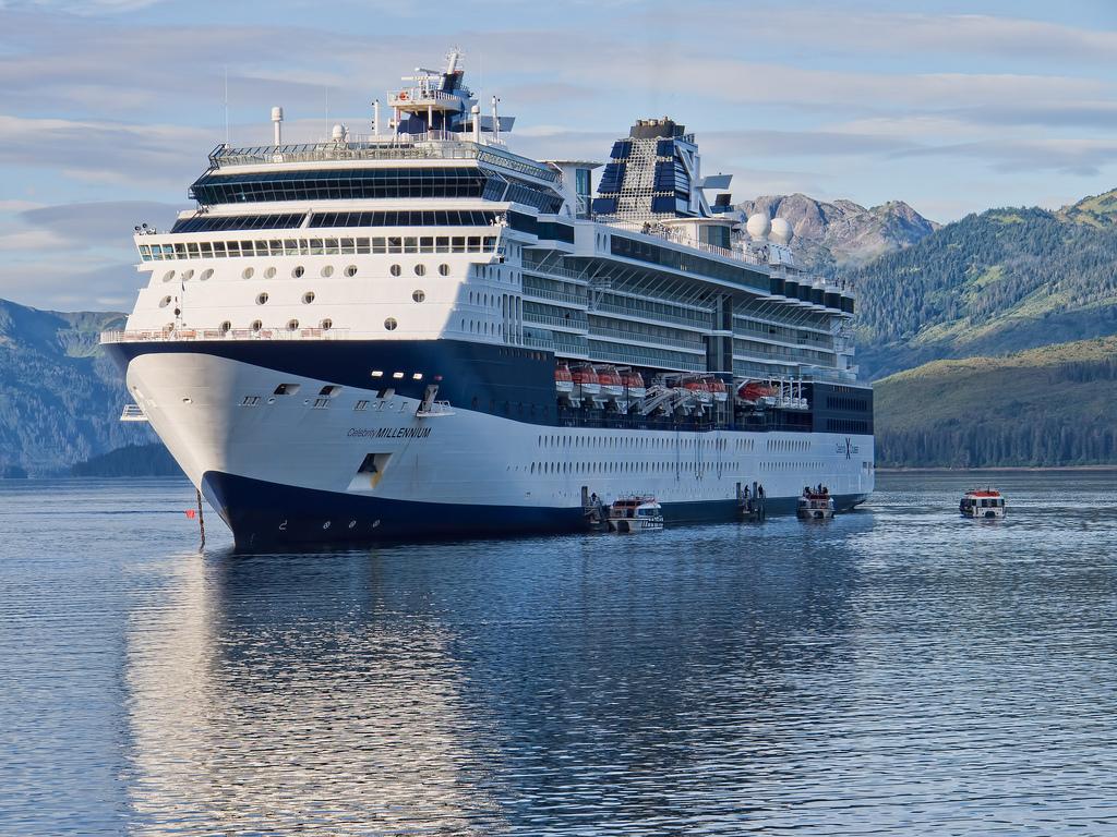 Vessel details for: CELEBRITY SOLSTICE (Passenger Ship ...