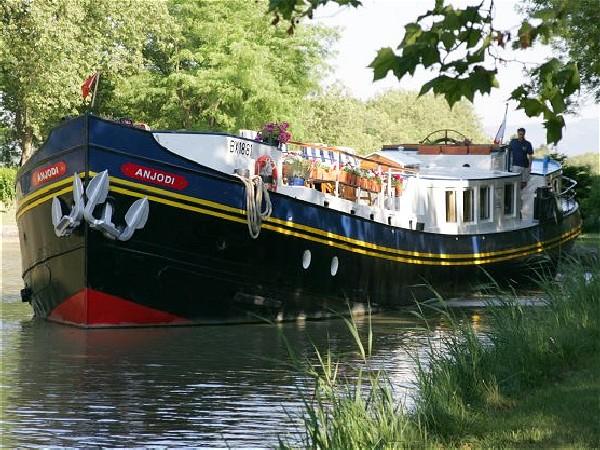 crucero fluvial de lujo canal du midi de le somail a marseillan anjodi european waterways. Black Bedroom Furniture Sets. Home Design Ideas