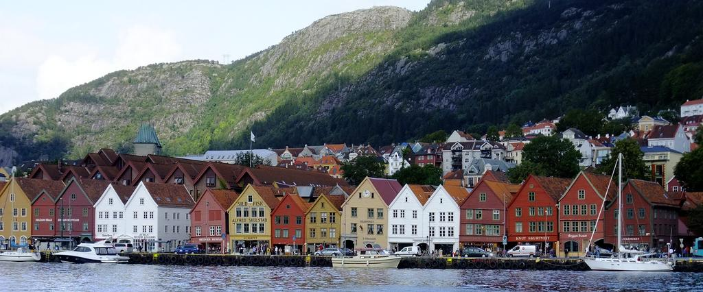 BERGEN NORWAY CRUISES CRUCEROS NORUEGA FIORDOS DESCUENTO COSTA CELEBRITY NCL ROYAL MSC