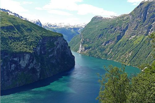 El bello fiordo de Geiranger (Noruega)