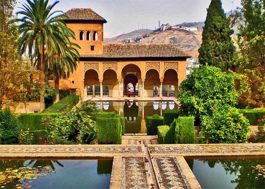 Tesoros de andalucia en tren al andalus desde sevilla for Jardines alhambra